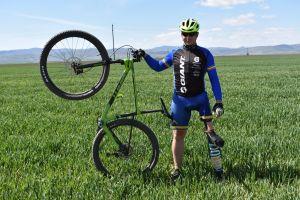 Oláh Attila, ciclistul cu un singur picior, intră în echipa Giant România