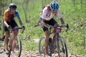 Berry, Decker Lead Big Weekend of Gravel Racing for Giant
