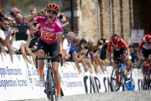 Vos Closes Out Giro Rosa With a 4th Stage Win!