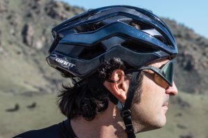 "VELONEWS: ""REV PRO MIPS IS GIANT'S BESTE HELM OM TE DRAGEN"
