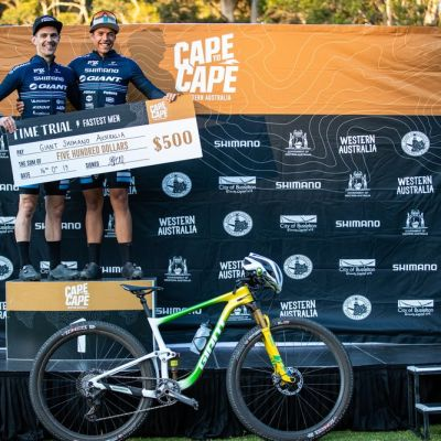 Johnston & Odams won the opening 4.5km prologue picking up a handy time bonus. Also pictured is Brendan's special #10yearson Anthem 29. Photo: Tim Bardsley-Smith / Cape to Cape