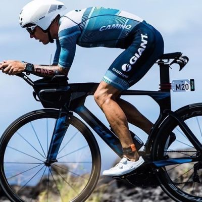 Van Berkel powered his Trinity Advanced Pro bike to a strong finish on the roads of Kona. @KoruptVision photo.