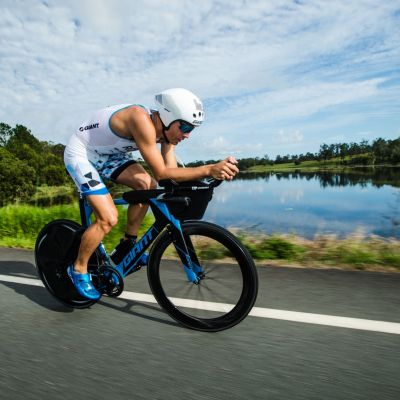 Aaron Royle riding his Trinity Advanced Pro to 2nd place at Noosa Triathlon in a stacked field. Photo: Korupt Vision