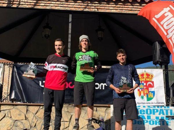 Nacho Valverde 4º scratch en La Adrada