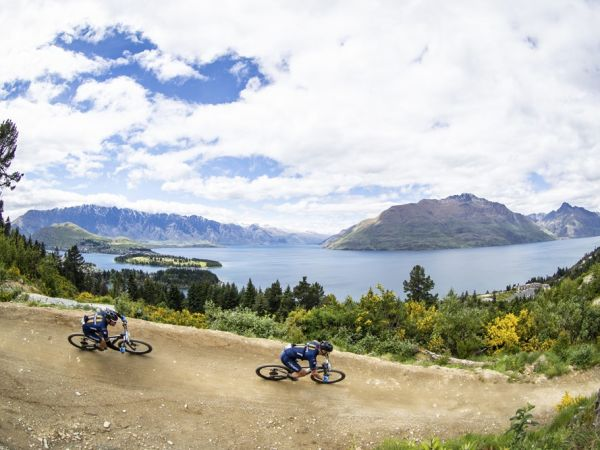 The Pioneer: Roadies on mountain bi...