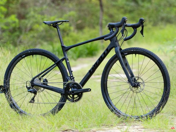 "CyclingTips Calls Revolt Advanced ""Smooth, Efficient and Composed"""