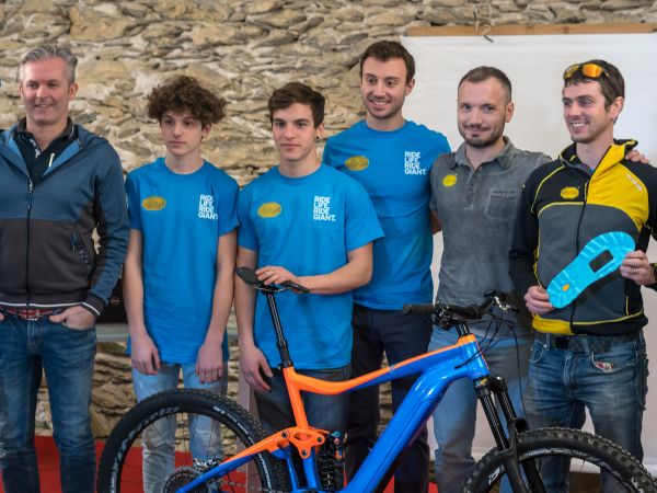 Giant Team VG E-MTB Enduro & Academy