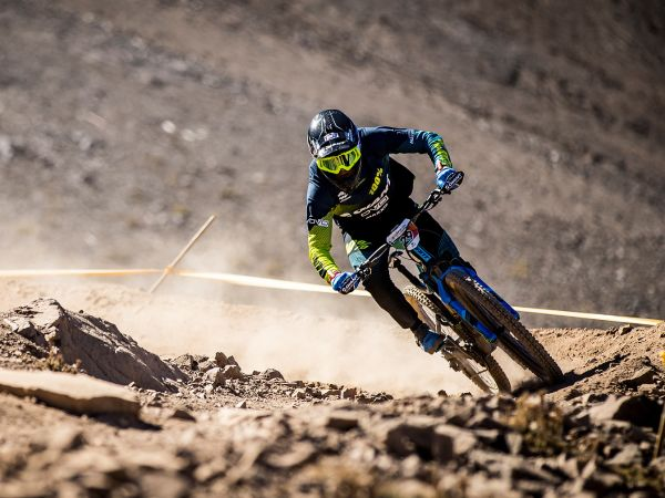Strong Start For Giant Factory Off-Road Team at EWS Opener!