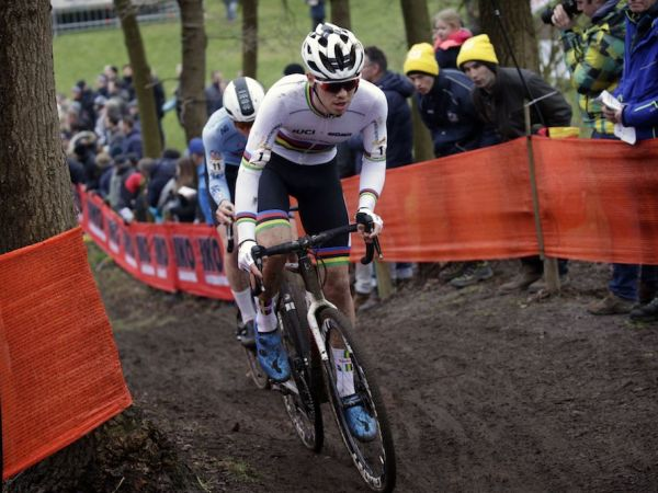 Nieuwenhuis Scores Podium at CX World Cup Finals!