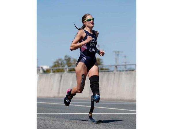 Le magazine USA triathlon nomme Allyssa Seely Paratriathlète de l'anné...