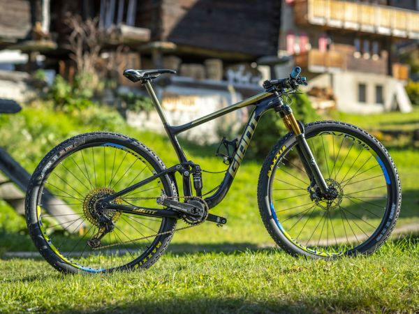 Bike Check: Leonardo Páez's World Champion Anthem Advanced Pro 29