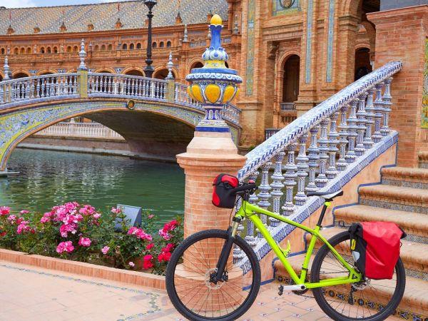 Claves para descubrir Sevilla en otoño a través de su carril bici