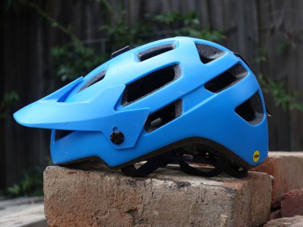 "Singletrack: Rail SX a ""high quality, top value trail helmet""!"