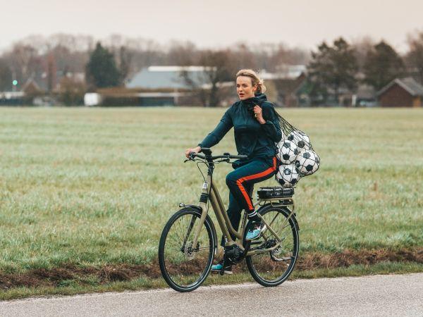 Giant richt spotlights op haar elektrische fietsen in nieuwe campagne