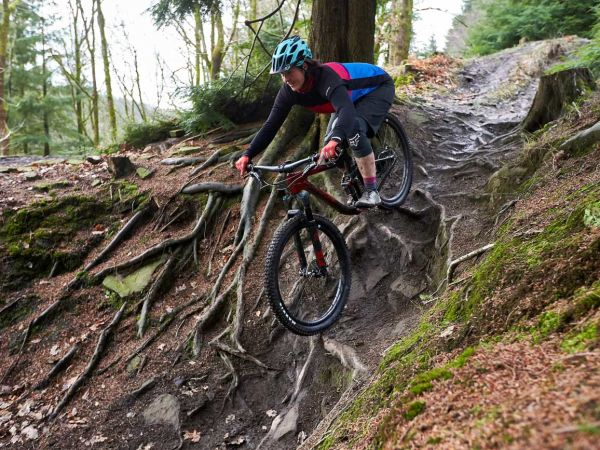 BikeRadar Names Intrigue Advanced Women's Trail Bike of the Year!