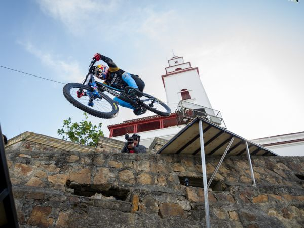 Gutierrez Wins Devotos de Monserrate Urban DH!