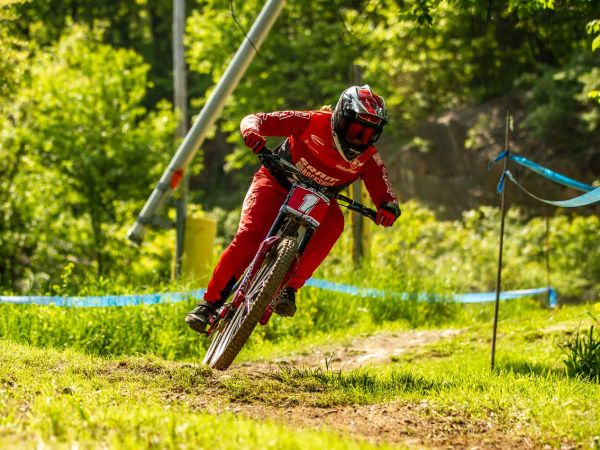 Liv Racing Gravity Athletes Dominate US Series' in Downhill and Enduro!