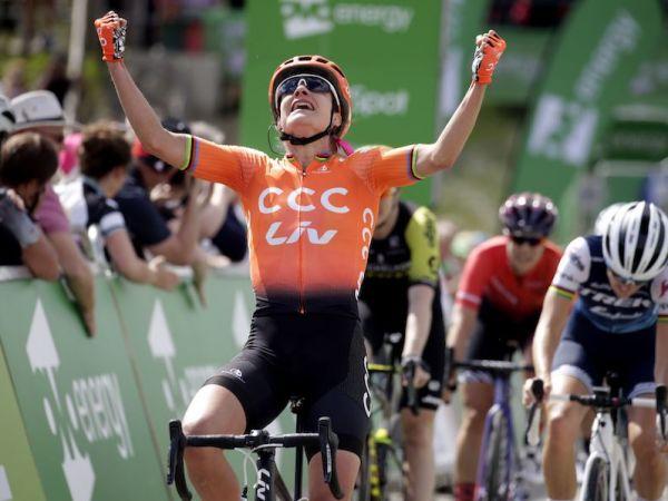 Vos remporte la deuxième étape et prend la tête du Tour OVO Energy !