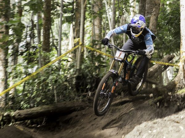 Gutierrez Wins His 9th Colombian National DH Title!