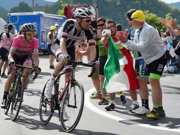 Dumoulin Attacks, Narrows GC Gap at Thrilling Giro Stage 18!