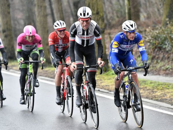 Teunissen Sprints to Podium at Dwars door Vlaanderen!