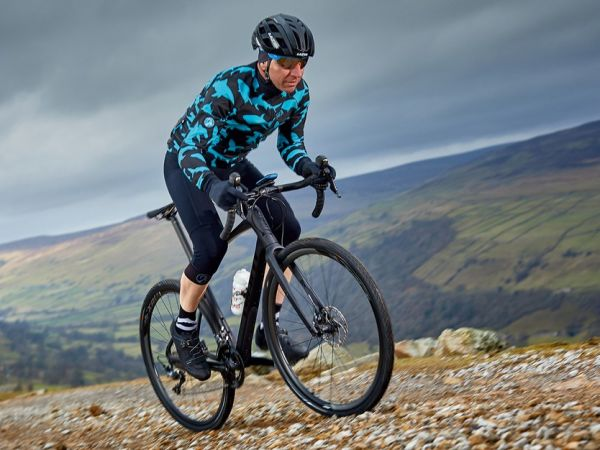 "BikeRadar: New Revolt Advanced is ""Extraordinary""!"