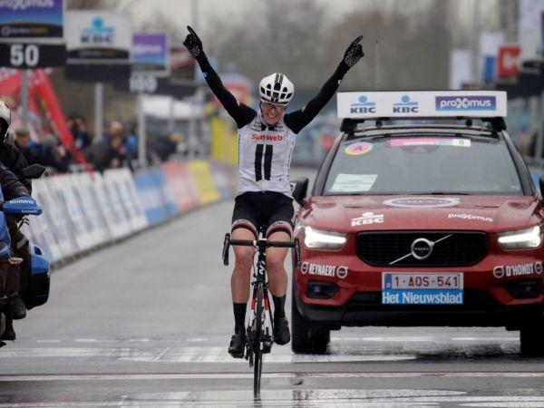 Van Dijk Wins Dwars Door Vlaanderen!