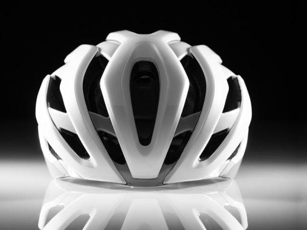 De gloednieuwe LIV REV PRO Helm