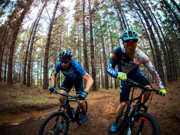 Elbows Out with Vandy and Carlson on the new Giant Anthem 29er!