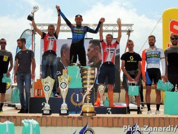 Leonardo Paez e' il vincitore della Capoliveri Legend Cup, tappa UCI M...