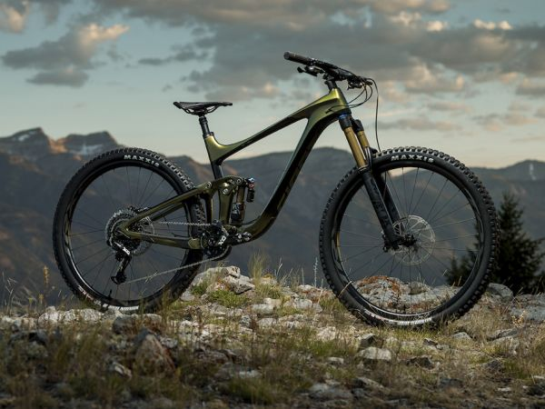 ¡BIKE MAG alaba a la Reign Advanced...