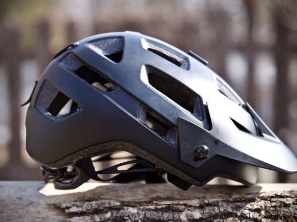 "Bike Mag Says Rail SX MIPS Helmet ""Checks all the Boxes"""