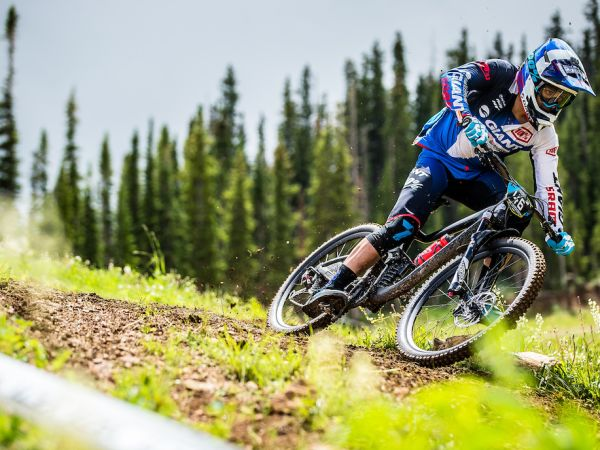 Vezina Leads Giant with Top-10 Finishes at Aspen EWS