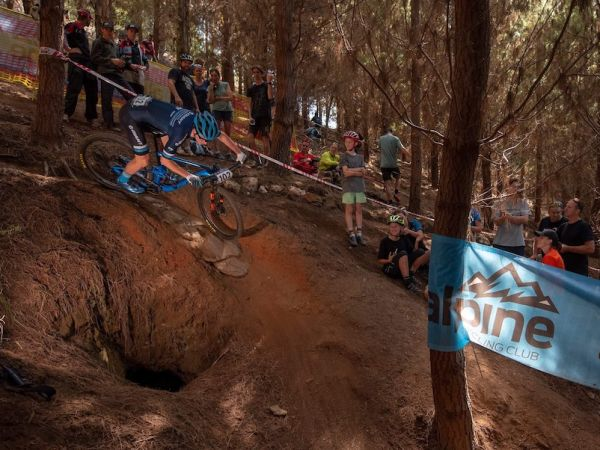 Wright Wins 3 Medals at Aussie, Oceania MTB Championships!