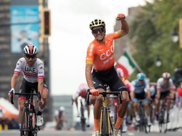 Van Avermaet Wins GP Cycliste de Mo...