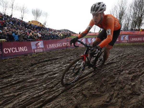 Nieuwenhuis Scores Silver at CX World Championships!