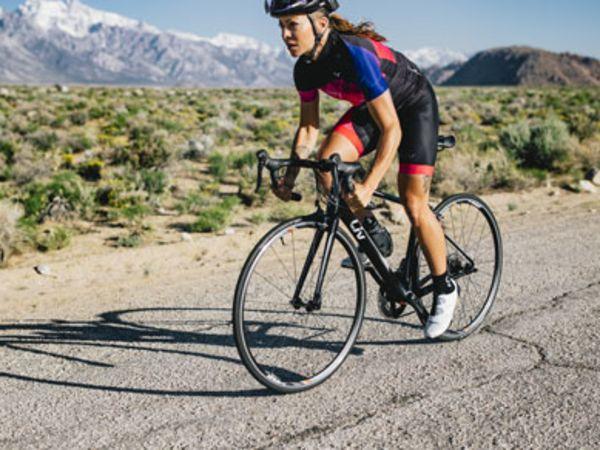 Jak sprintować na rowerze szosowym?