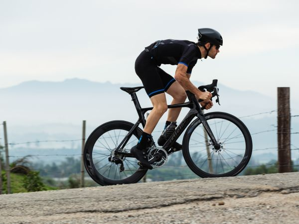 Giant Unveils New Road Bikes Featuring SRAM RED eTap AXS!