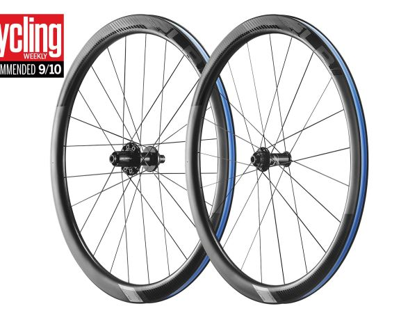 "SLR 1 Disc Carbon WheelSystem Wins Cycling Weekly ""Best on Test""!"