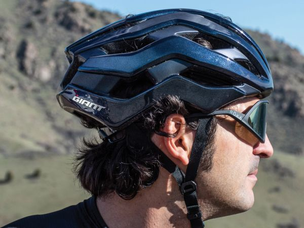 "VeloNews: ""Rev Pro MIPS is Giant's Best Helmet to Date"""