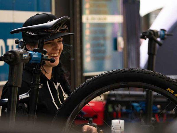 Comment je Suis Devenue Une Mécanicienne de Vélo Professionnelle