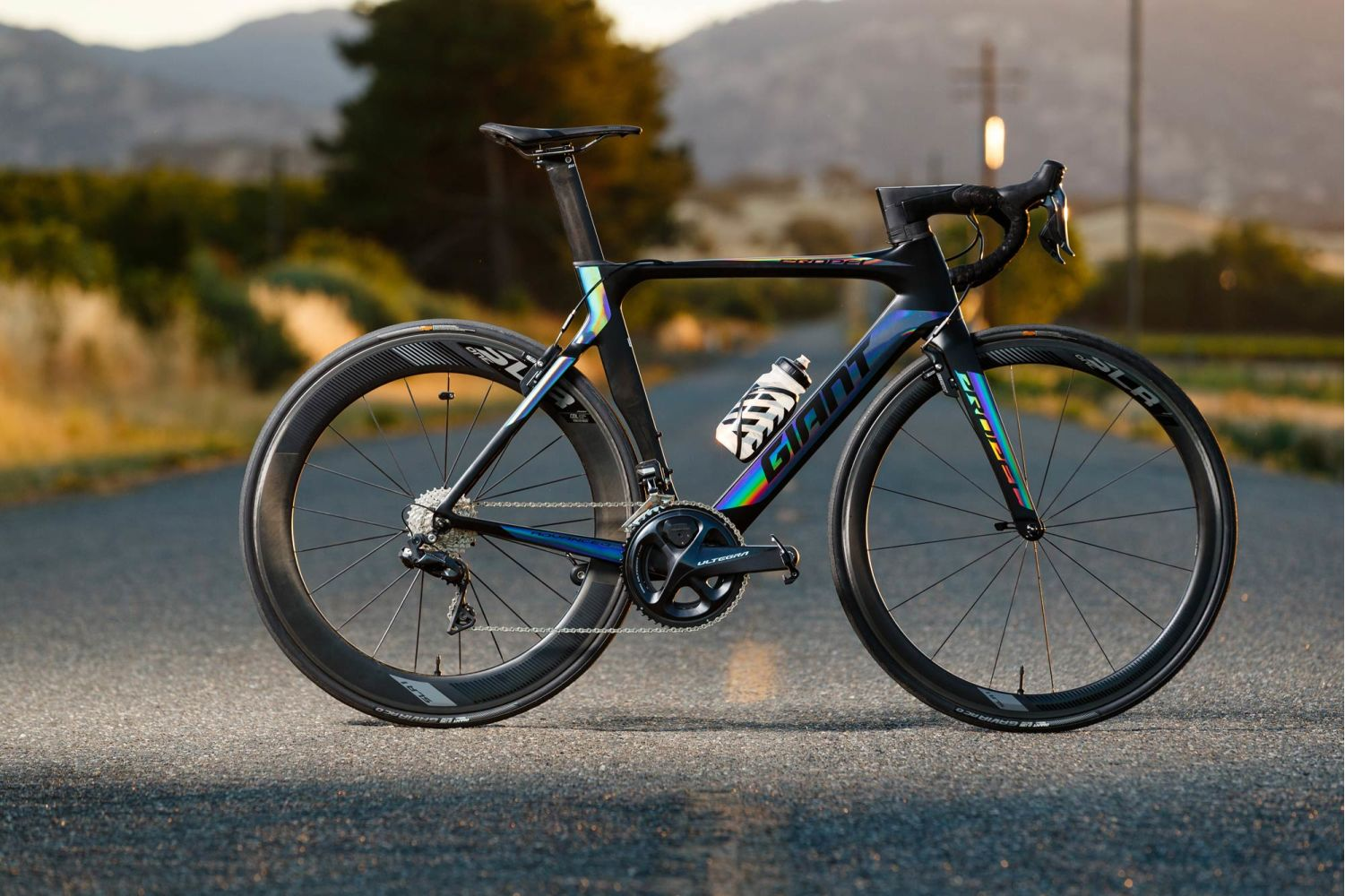 a94f94665ad The Propel Advanced Pro 0 model is built with high-performance components  including a Shimano Ultegra Di2 electronic drivetrain.