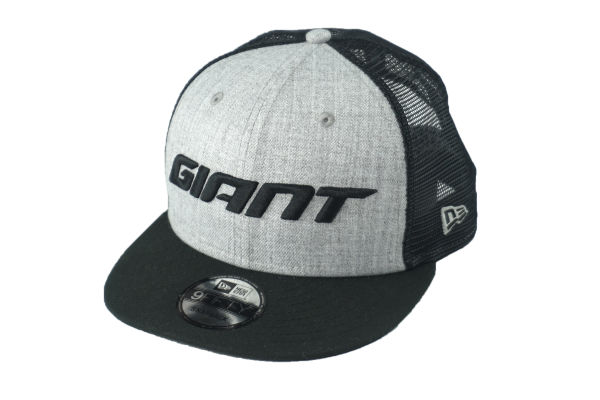 New Era 9FIFTY Snapback Hat Giant Trucker