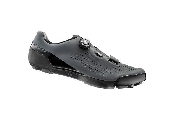 차지 엘리트 신발