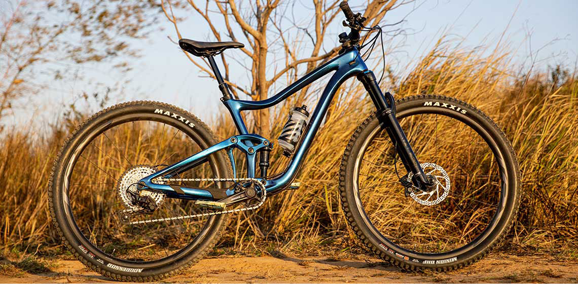 Mountain bike with Clutch Tools