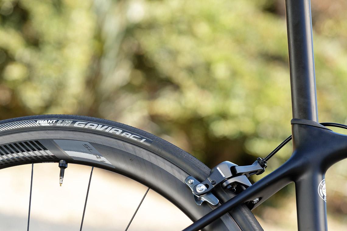 rim brake wheels and tubeless tyres